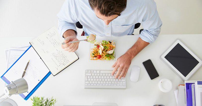 comer-enla-oficina